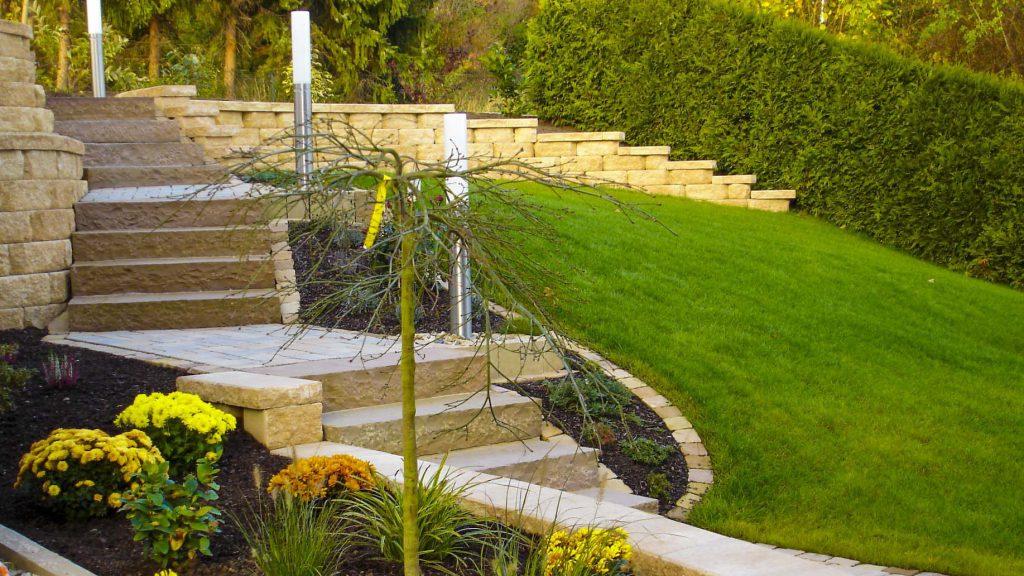Döring-Gartengestaltung Treppe mediteraner Garten